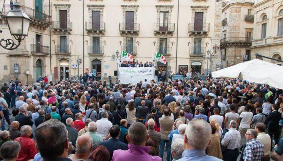 Graziano Delrio e Franco Pignataro incontrano i cittadini di Caltagirone